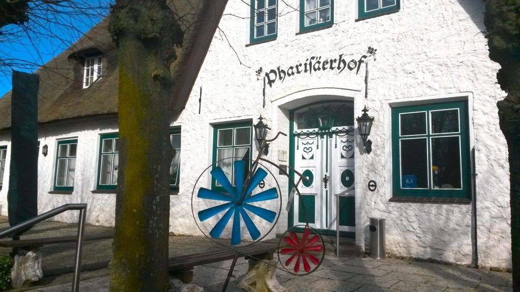 Historisches Gebäude: der Pharisäerhof auf Nordstrand