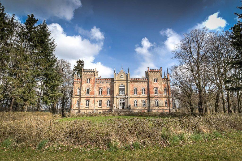 Das Herrenhaus Vogelsang wurde von Robert Uhde 2010 erworben