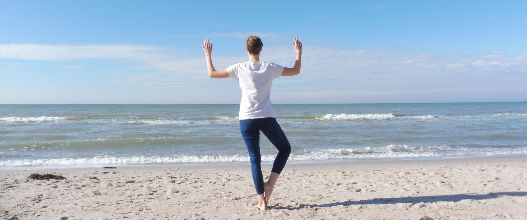 Yoga am Weststrand auf dem Darss