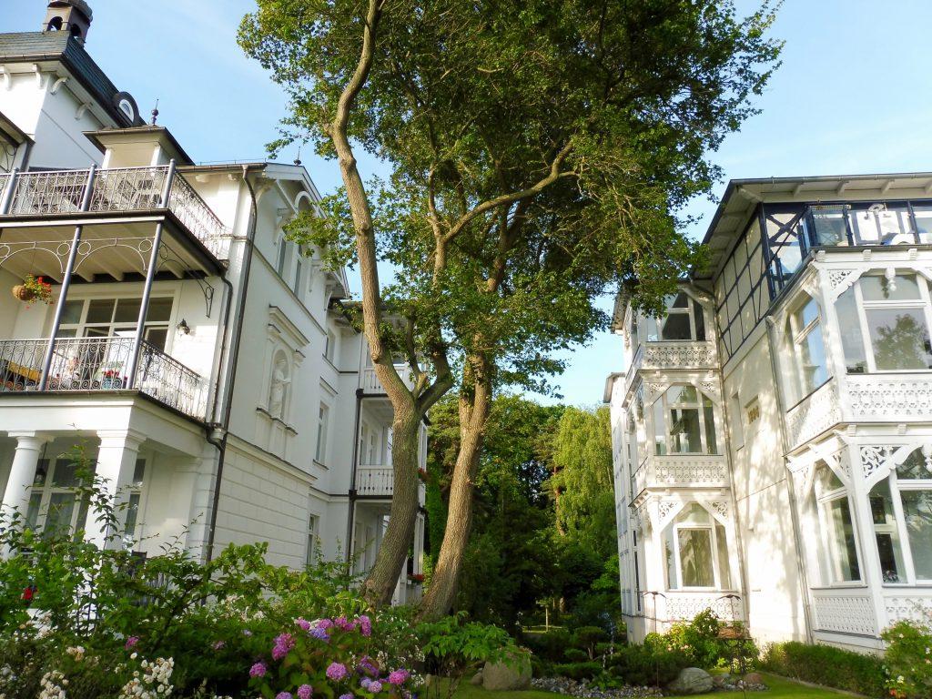 Villa Baltic und Villa Heiderose an der Promenade von Binz auf Rügen